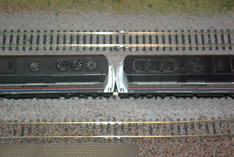 N-scale F40PH sound installation